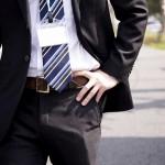 営業で歩く会社員のイメージ画像