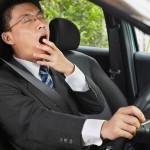 加害者が居眠り運転をしている事を示すイメージ画像