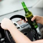 加害者が飲酒運転をしている事を示すイメージ画像
