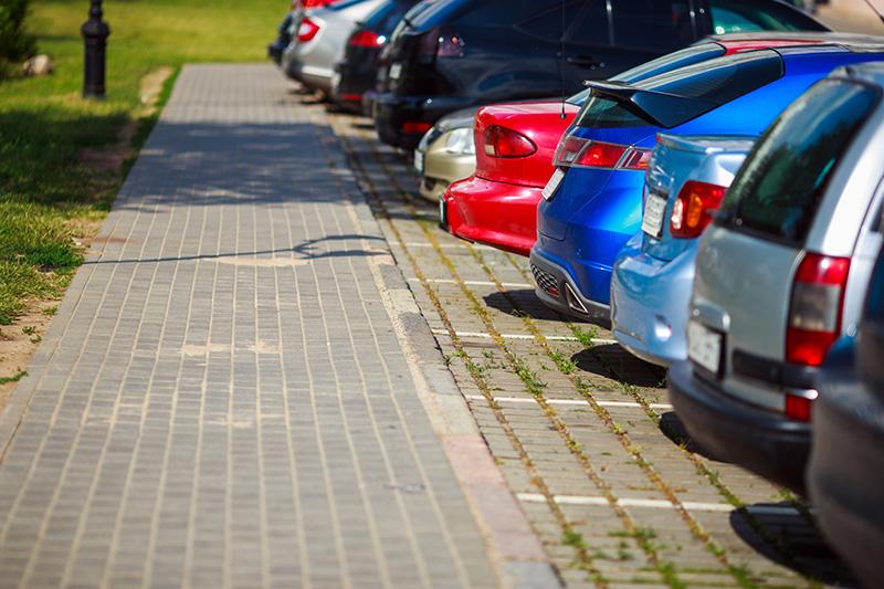 駐停車している車のイメージ画像