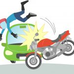 バイクと車が衝突事故を起こしたイメージイラスト