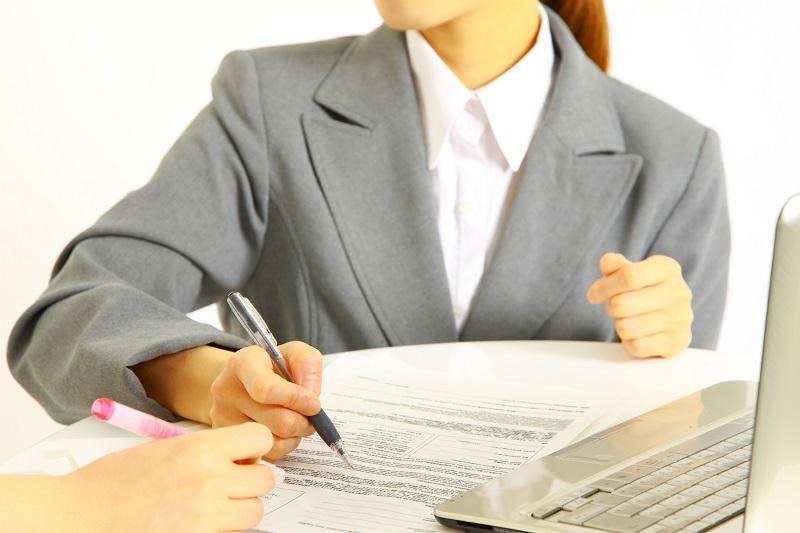 示談交渉を進める保険会社のイメージ画像