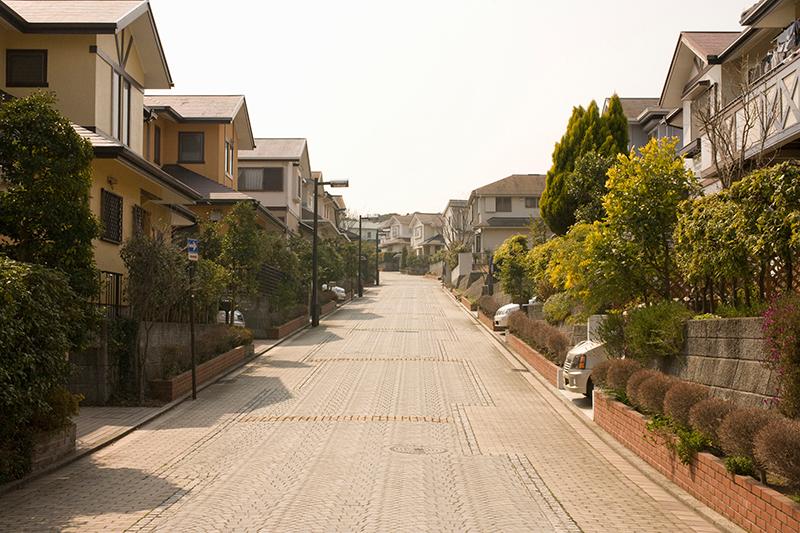 被害者が事故に遭った住宅街のイメージ画像