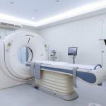 交通事故に遭った被害者の容態を確かめるMRIのイメージ写真