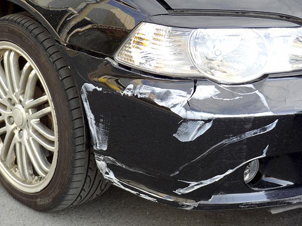 交通事故に遭った被害者の車両のイメージ画像
